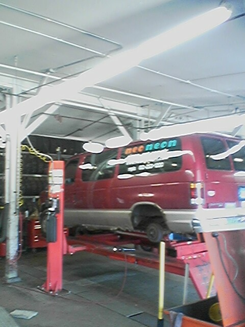 Mr Tire Oil Change >> Aaa 1 Minneapolis Car Auto Service At Mr Tire Where Your Safety Is